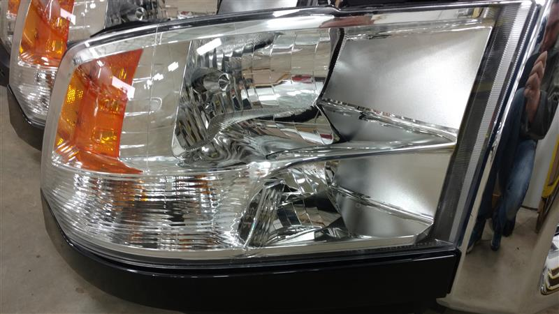 2017 DODGE 3500 PICKUP Headlamp Assembly R.