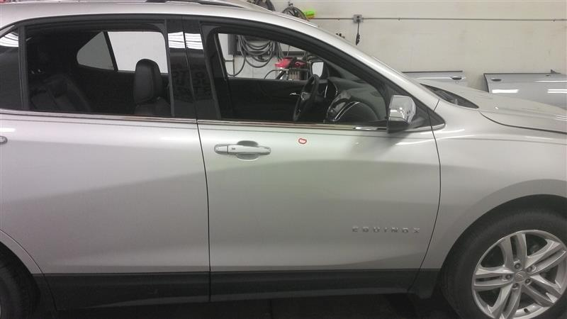 2018 EQUINOX Door Assembly, Front R.