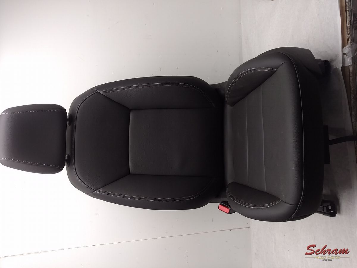 2018 REGAL Seat, Front